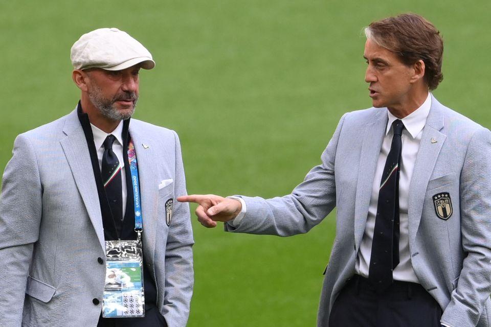 Pada usia 56, setelah bertahun-tahun berjuang, dengan kemenangan dan kekalahan, Vialli berdiri di samping rekan setimnya dan teman dekatnya Mancini dalam peran sebagai pemimpin tim dan pelatih kepala Italia.  foto: AFP