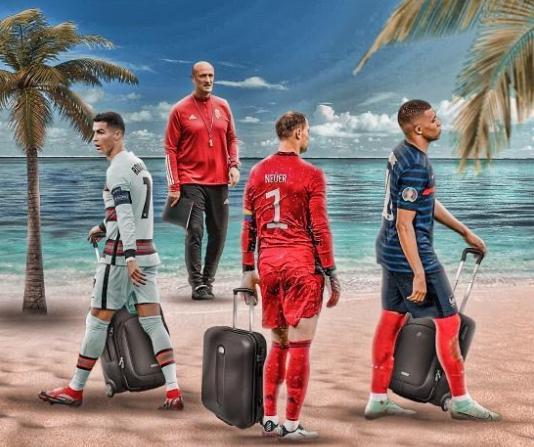 Ronaldo, Mbappe dan Neuer juga harus menyeret koper mereka pulang seperti Rossi.  Foto: Instagram.