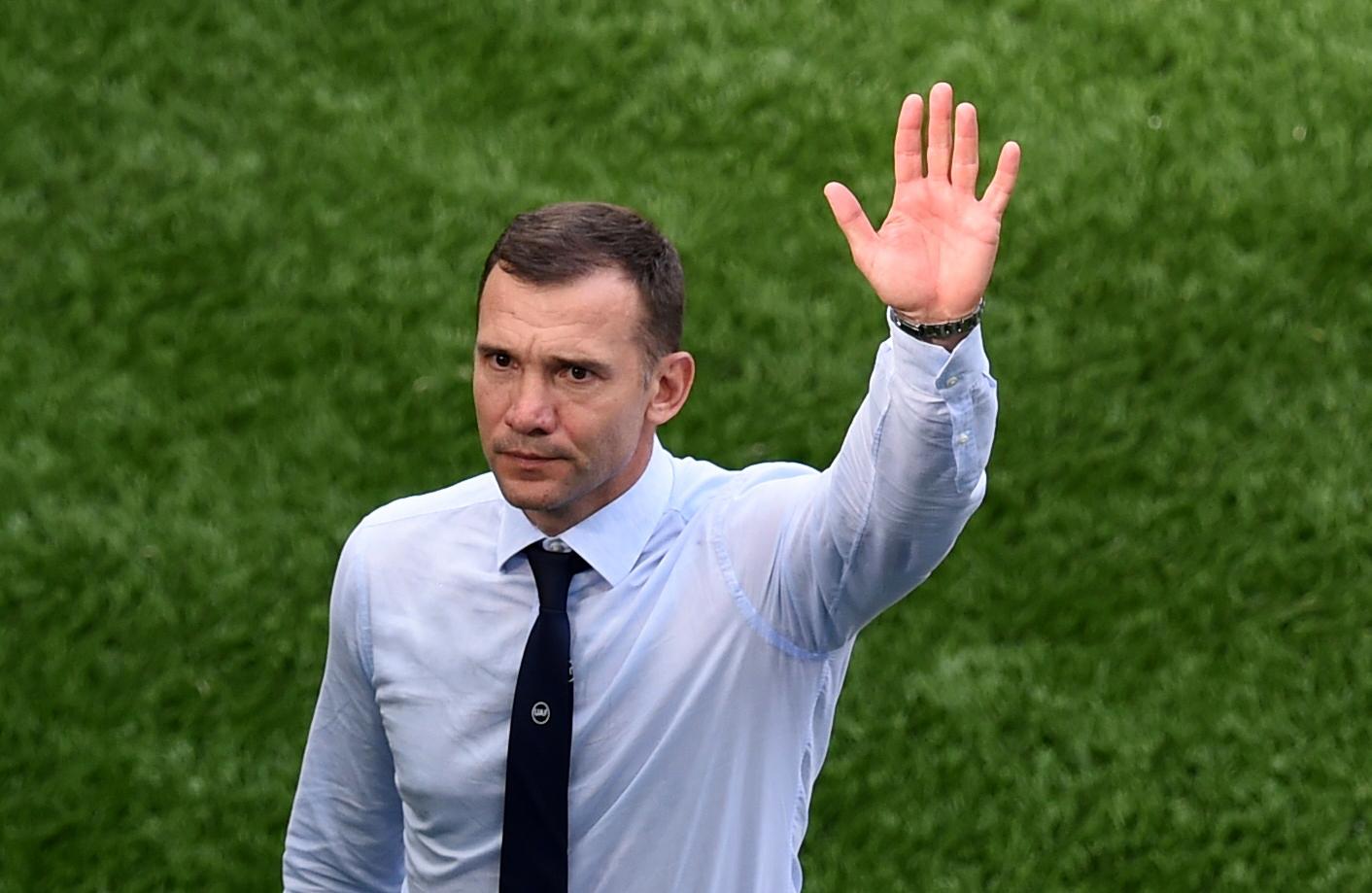 Từng giúp Ukraine vào tứ kết World Cup lần đầu tiên năm 2006, Shevchenko giờ tiếp tục làm nên lịch sử trên vai trò HLV, khi đưa ĐTQG vào tứ kết Euro lần đầu tiên năm nay. Ảnh: Reuters