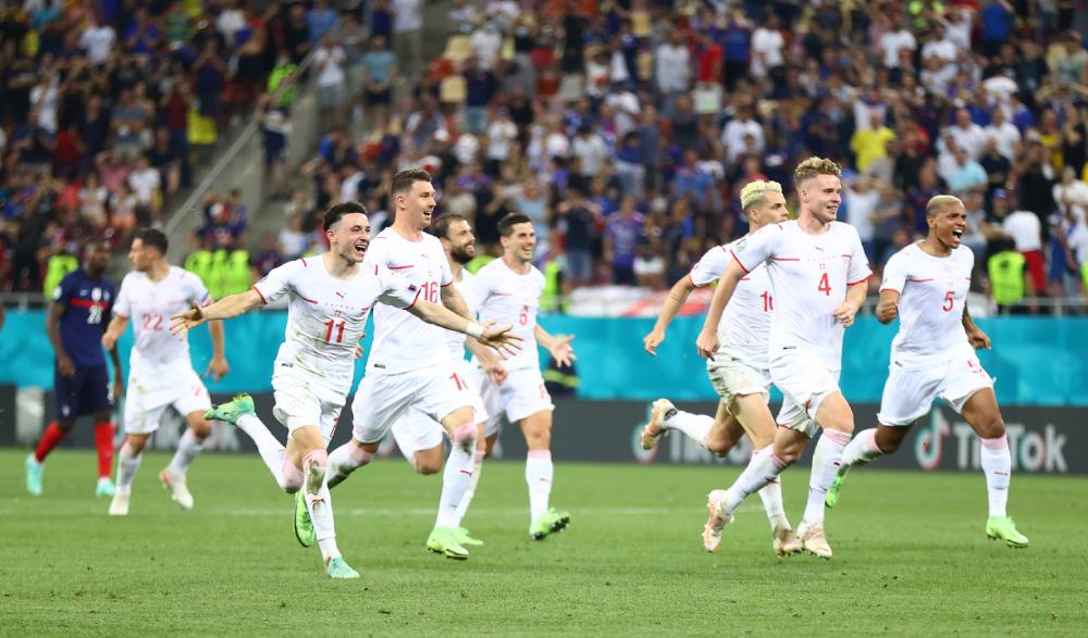 Swiss mengalahkan Prancis 5-4 dalam adu penalti di babak 16 besar.  Foto: Reuters.