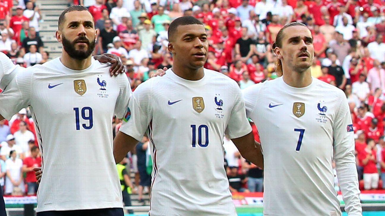 Sự trở lại của Benzema là một trong nhiều vấn đề khiến Griezmann thêm bất đồng với Griezmann, gây chia rẽ nội bộ tuyển Pháp tại Euro 2021. Ảnh: AFP