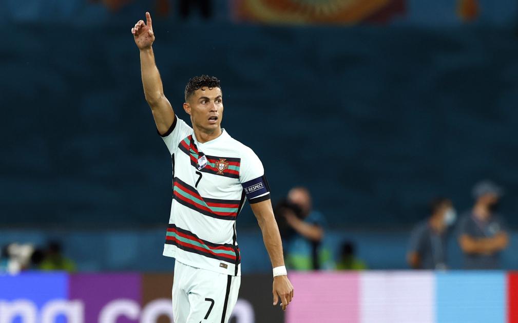 Ronaldo tersingkir lebih awal, tetapi masih memiliki banyak peluang untuk memenangkan penghargaan pencetak gol terbanyak.  Foto: Reuters.