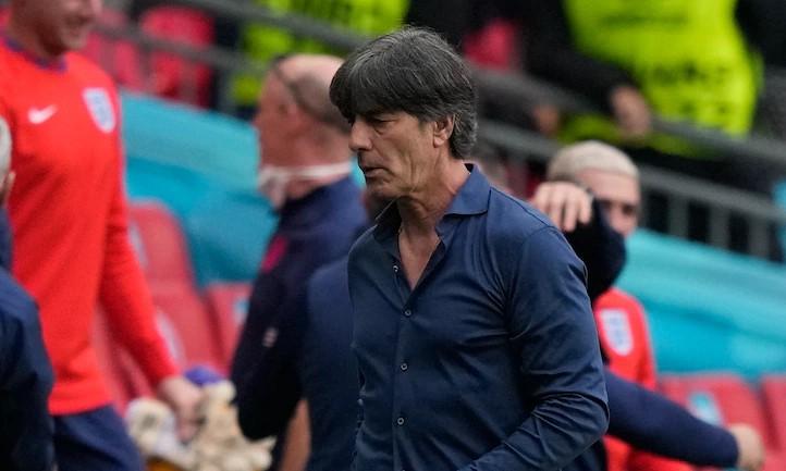 Low ditengarai mampu mengatasi tekanan saat memimpin sebuah klub.  Foto: Reuters.