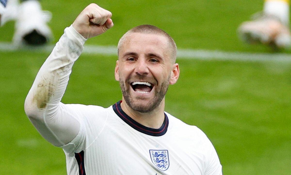 Luke Shaw bermain menonjol di perempat final dan dipuji oleh Mourinho.  Foto: Reuters