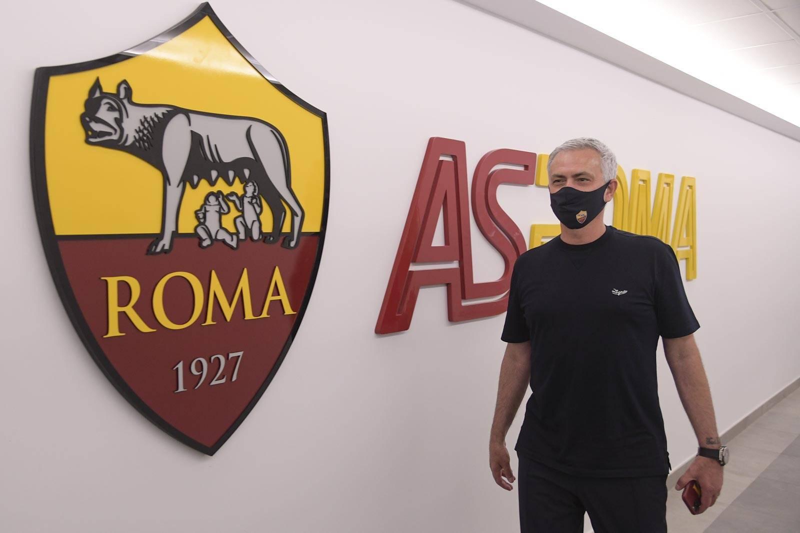 Mourinho telah berada di Roma sejak 2 Juli untuk memulai pekerjaan baru di AS Roma.  Foto: Twitter / AS Roma
