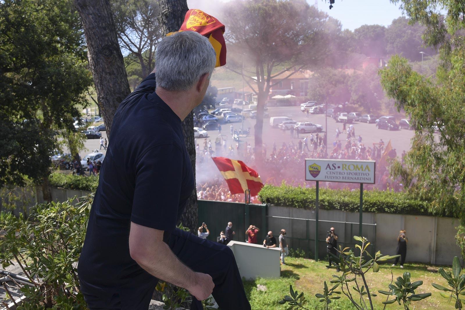 Mourinho memperingatkan tantangan di Roma - 1