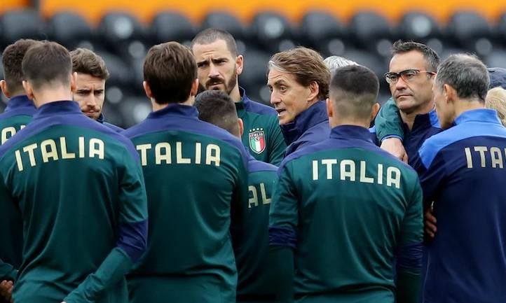 Italia asuhan Mancini tidak terkalahkan dalam 32 pertandingan terakhir, termasuk 27 kemenangan.  Foto: Reuters.