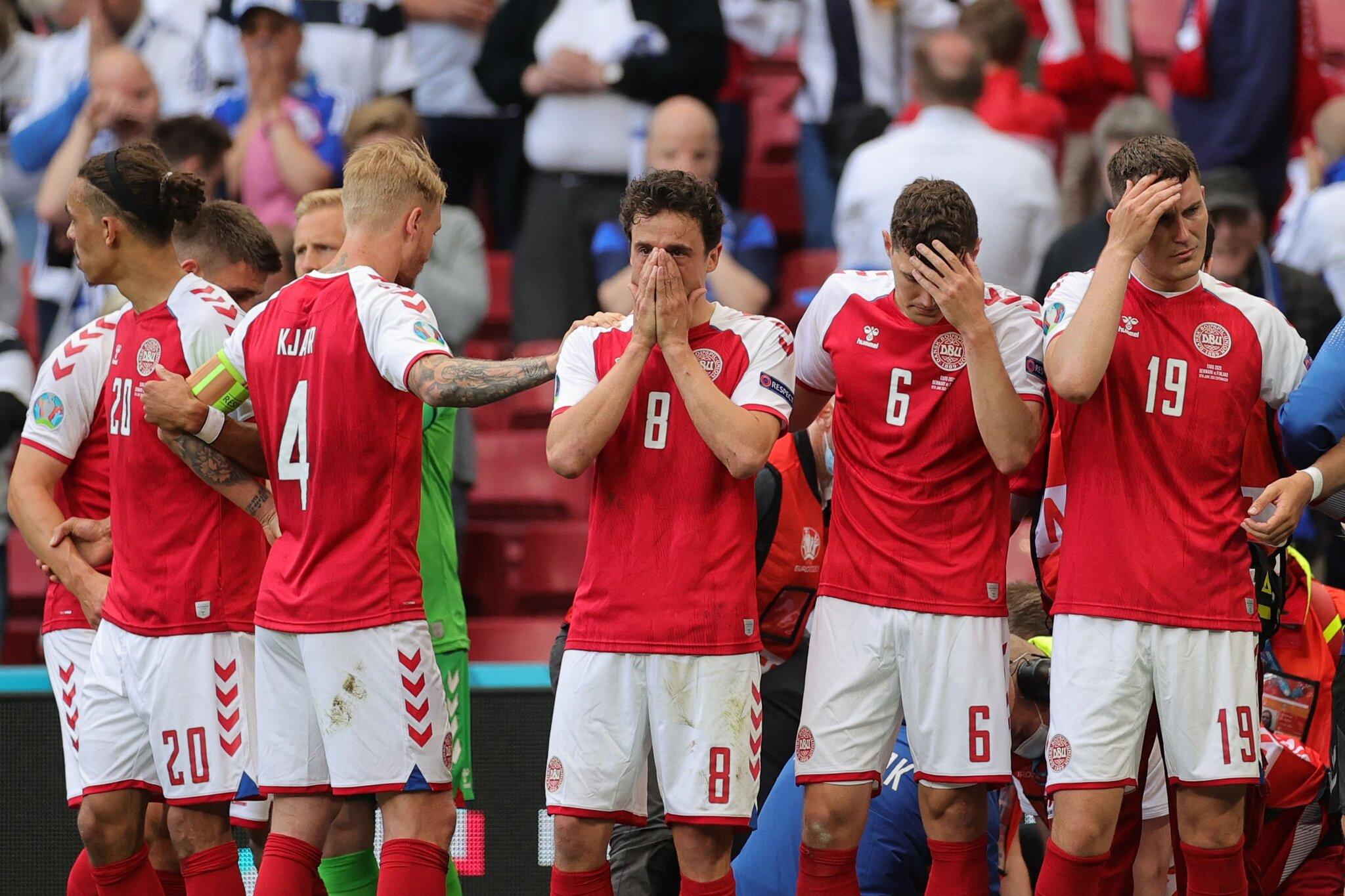 Para pemain Denmark memulai turnamen dengan cara yang paling mengerikan...