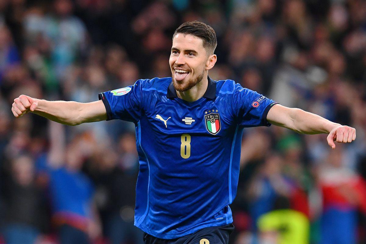 Jorginho ăn mừng sau khi giúp Italy vào chung kết Euro 2021. Ảnh: Sky