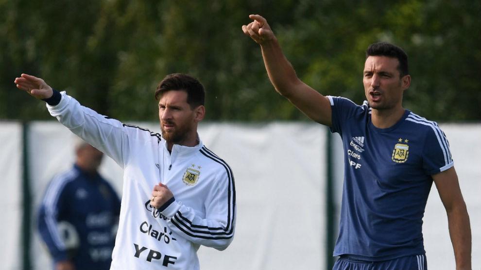Scaloni muốn lên giây cót tinh thần cho Mesi khi Argentina vào bán kết Copa America. Ảnh: AFA