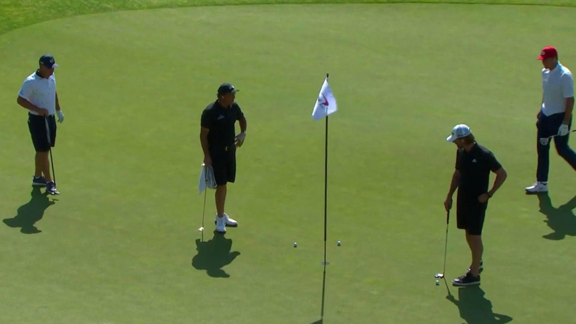 DeChambeau (kiri) dan Mickelson (kedua dari kiri) dalam kompetisi di Montana pada 6 Juli.  Foto: golf.com
