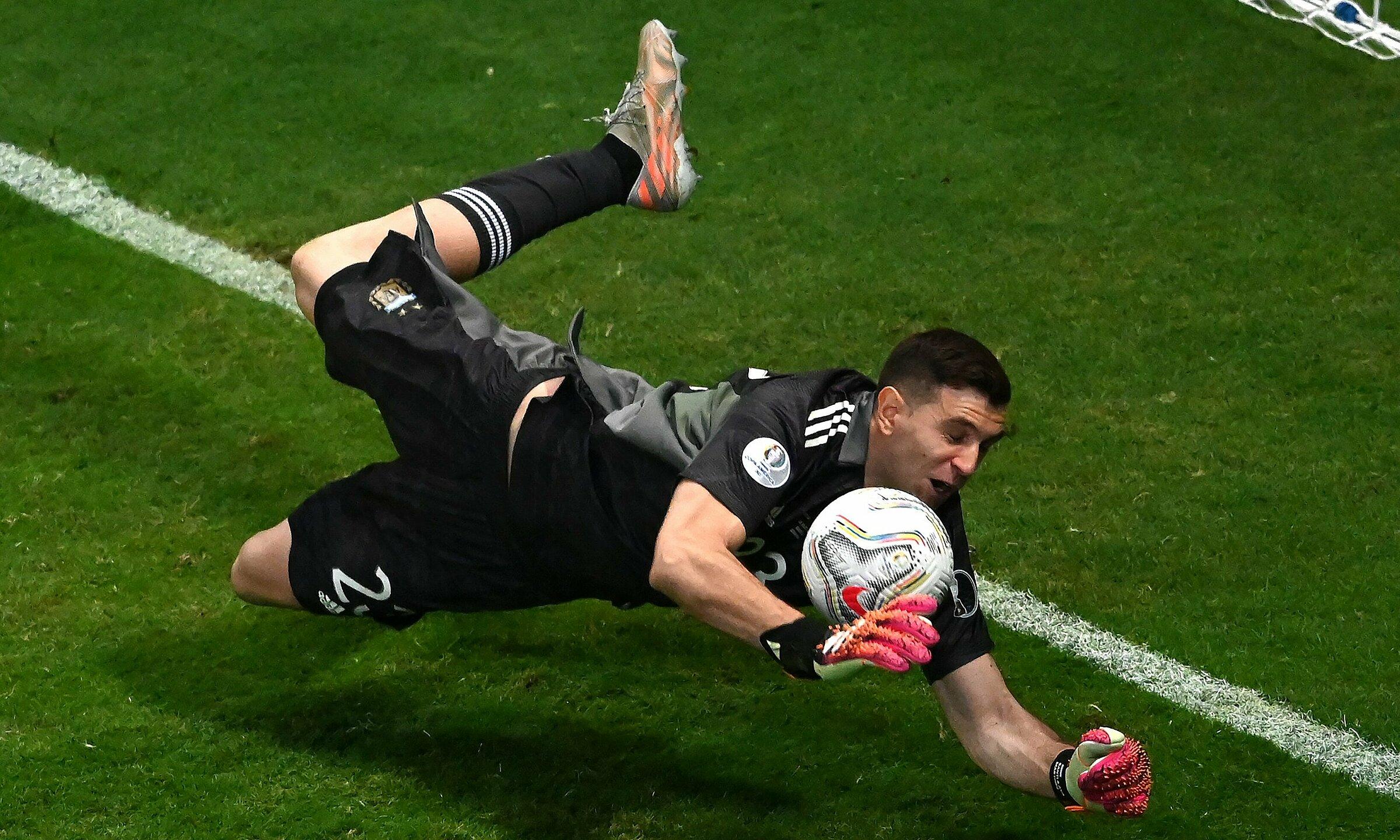 Martinez menjadi pahlawan Argentina di semifinal Copa America.  Foto: CA2021