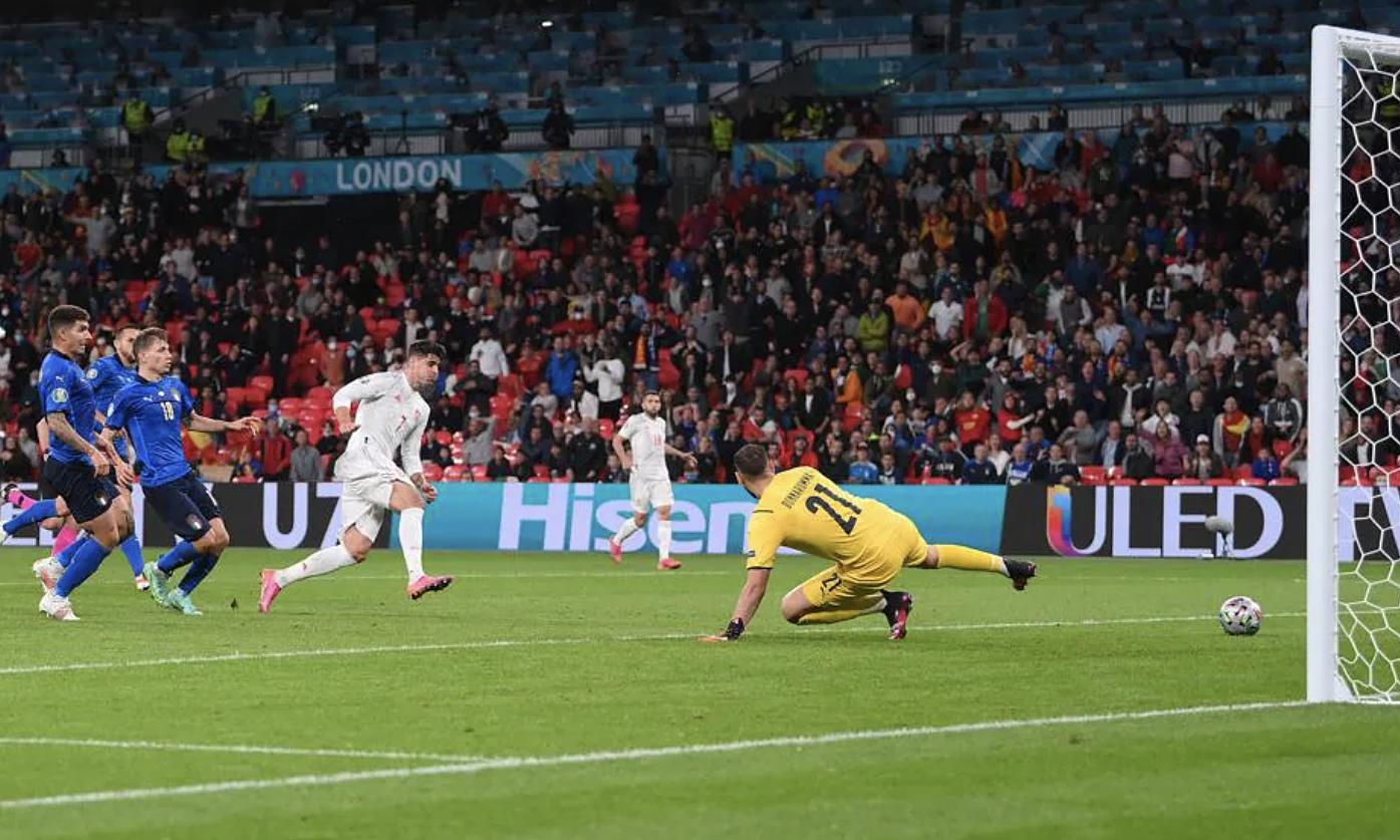 Gol penyeimbang Morata mengirim semifinal Euro 2021 ke perpanjangan waktu, meskipun Spanyol kemudian disingkirkan oleh Italia melalui adu penalti.  Foto: UEFA