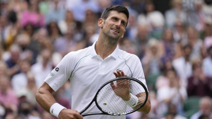Djokovic hanya tertinggal dari Federer dan Jimmy Connors dalam jumlah semifinal Wimbledon.  Foto: Langit
