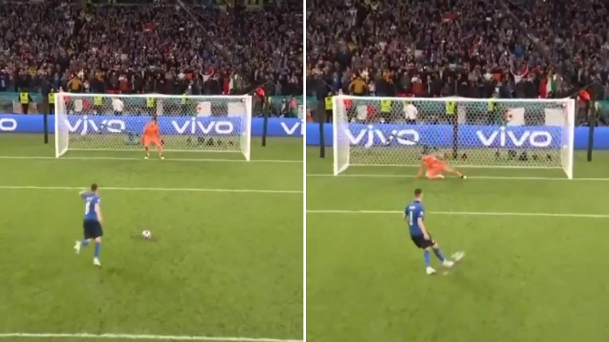 Jorginho nhảy chân sáo, rồi đánh lừa thủ môn Simon khi đối mặt từ chấm 11m.
