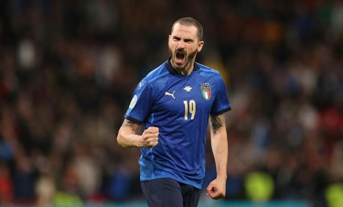 Bonucci adalah pemain tertua kedua di Italia setelah Chiellini, dan kedua pemain ini masih menjadi starter.  Foto: Reuters