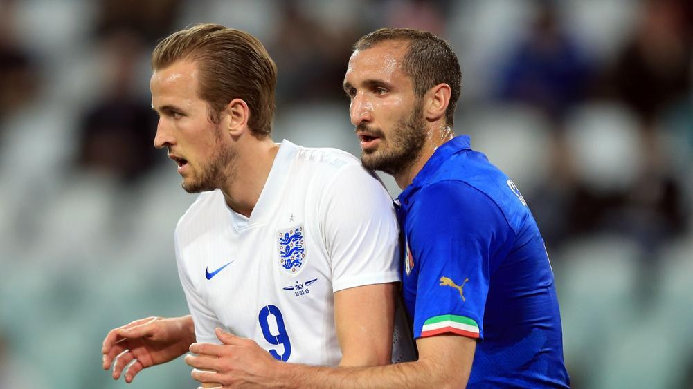 Pengalaman Chiellini diharapkan dapat membantu Italia mengatasi ledakan Kane dengan baik di final Euro 2021 hari ini.  Foto: beINSPORTS