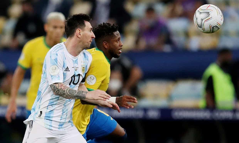 Messi (số 10) chấn thương nhưng vẫn thi đấu hai trận cuối. Ảnh: Reuters