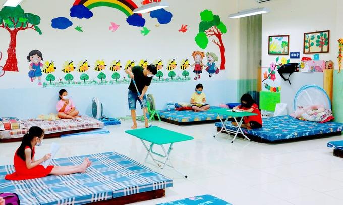 Children in an isolation ward in Vinh Phuc.  Photo: BaoVinhPhuc