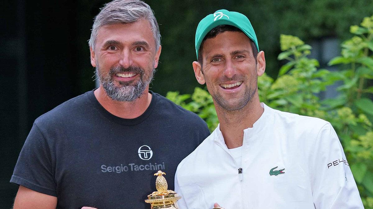 Ivanisevic chia vui cùng học trò sau chức vô địch Wimbledon 2021. Ảnh: Wimbledon