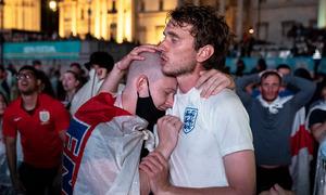CĐV Anh đòi nghỉ lễ sau khi thua chung kết Euro