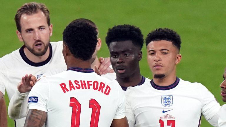 Rashford, Saka và Sancho hứng bão dư luận vì đá hỏng luân lưu, khiến Anh thua ở chung kết Euro 2021. Ảnh: Sky Sports