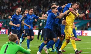 Pique: 'Italy vô địch nhờ đá luân lưu trước'