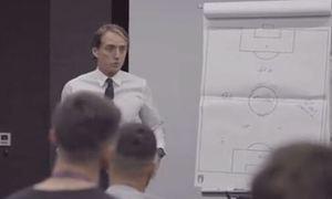 Mancini đùa gì với học trò trước chung kết Euro 2021