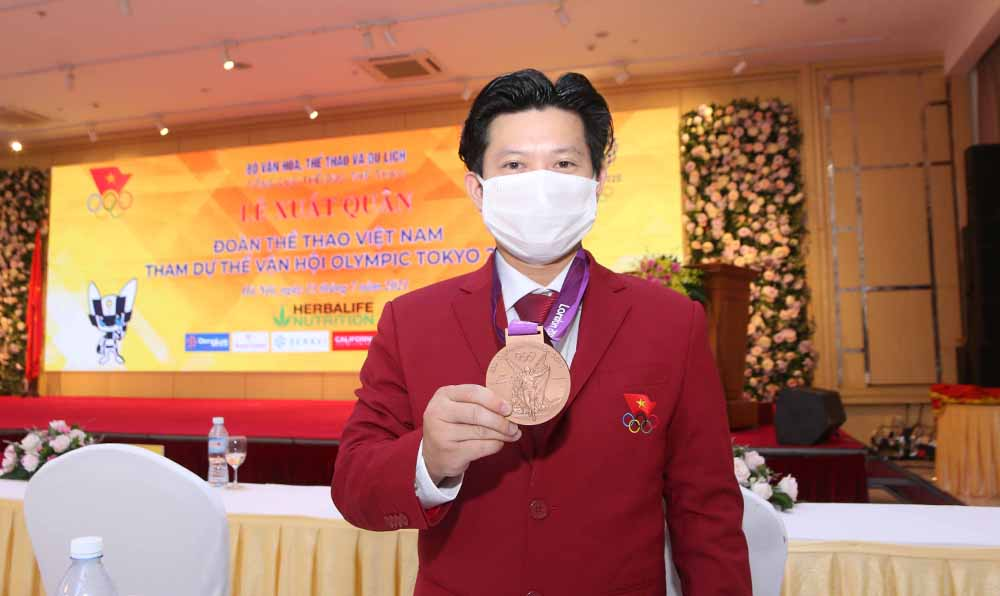 Tran Le Quoc Toan received a bronze medal at the 2012 Olympic Games on the evening of July 13.