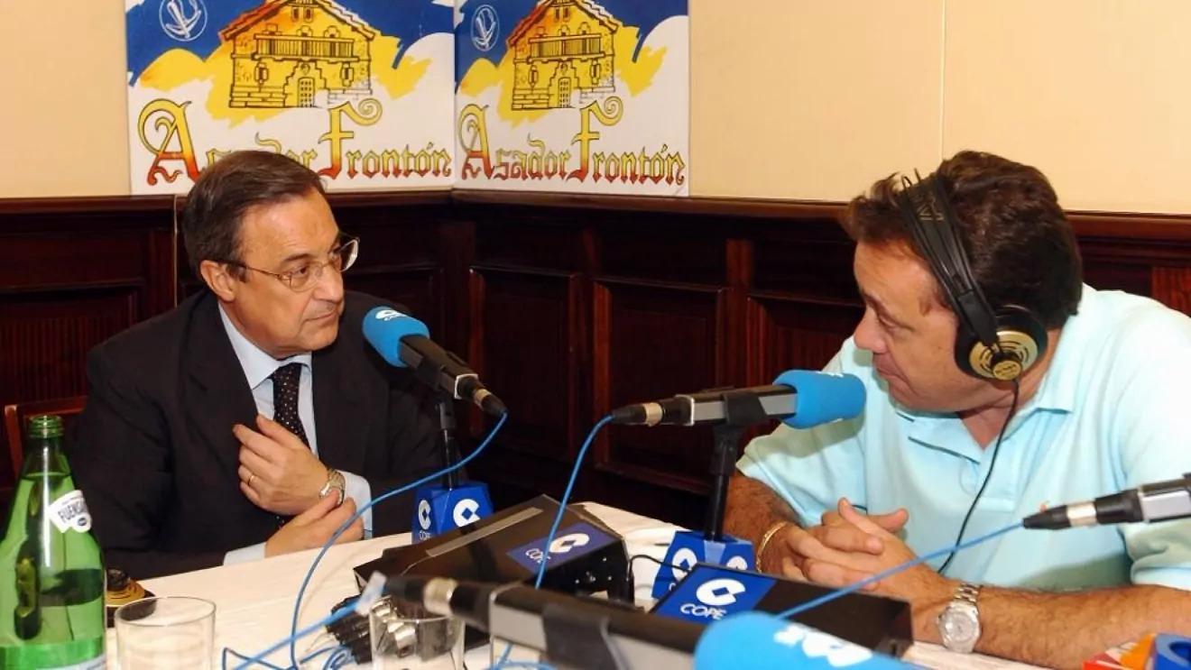Perez và phóng viên Abellan trong một cuộc trò chuyện trên Cadena COPE năm 2004. Ảnh: Marca