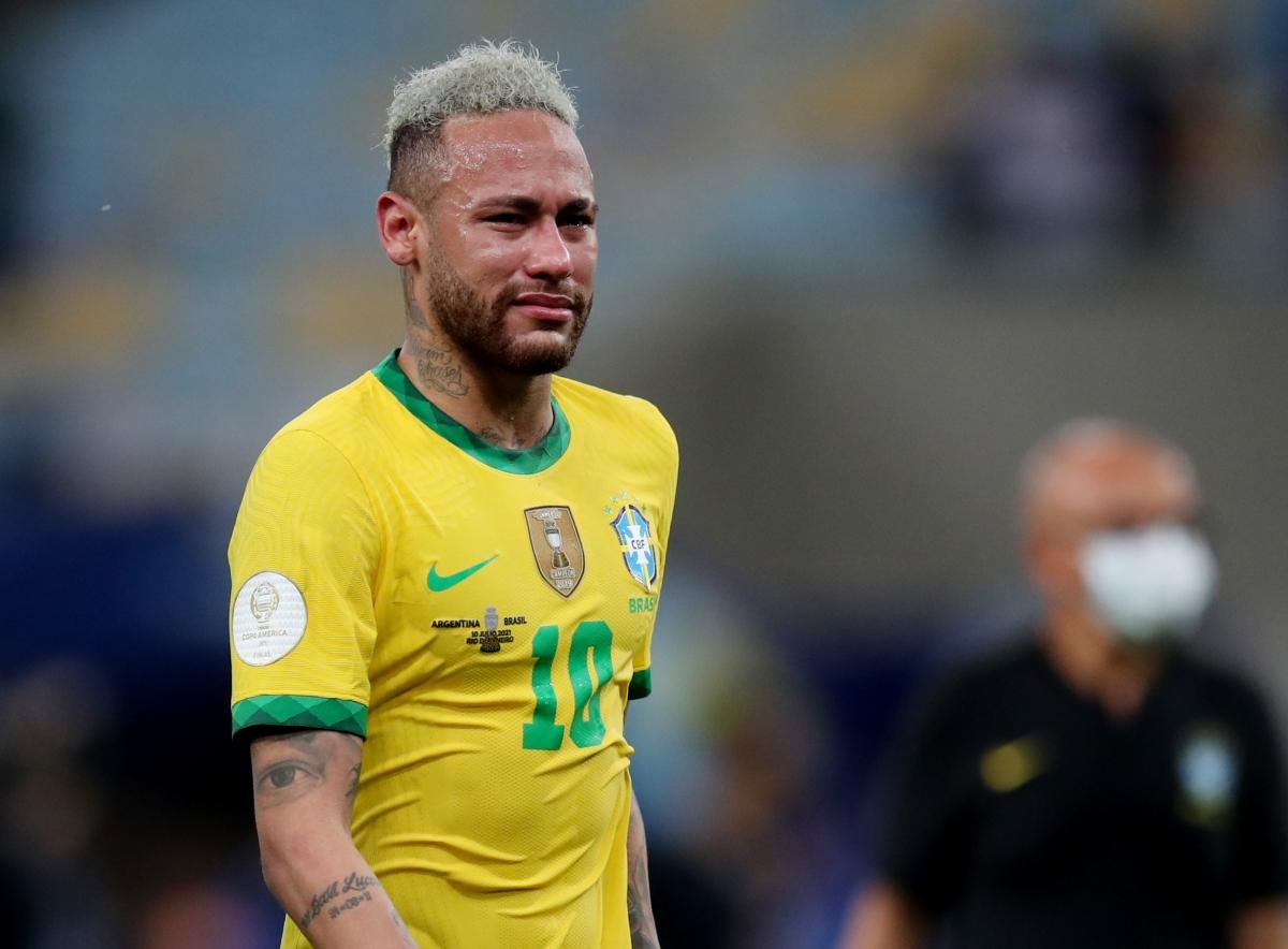 Neymar menangis setelah final Copa America 2021. Foto: Reuters.