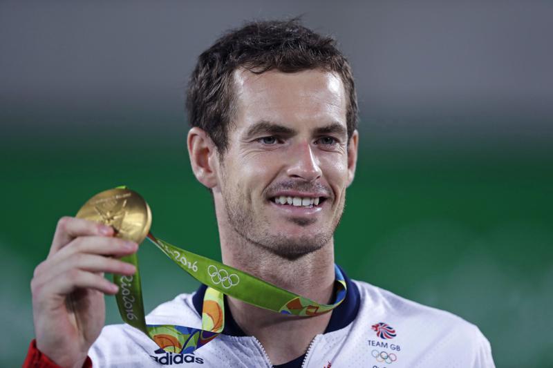 Andy Murray meraih medali emas tenis tunggal putra di Olimpiade 2016. Foto: AP.