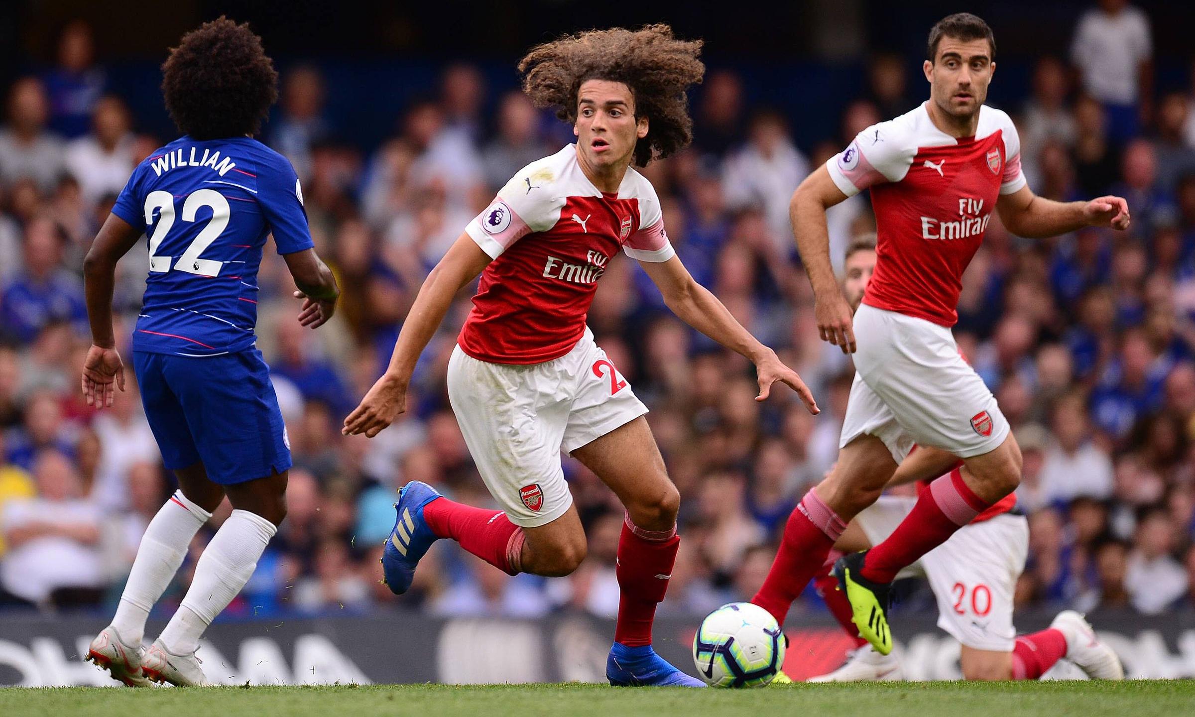 "Guendouzi ออกสตาร์ทได้อย่างน่าประทับใจที่ Arsenal โดยลงเล่น 48 นัดในทุกรายการ รวมถึง 33 นัดในพรีเมียร์ลีก  ภาพถ่าย: ""imago ."""