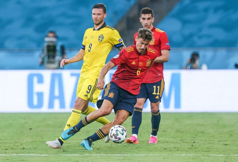 ยอเรนเต้ นำบอลนัดแรก ยูโร สเปน เสมอ สวีเดน 0-0  รูปถ่าย: สพป.