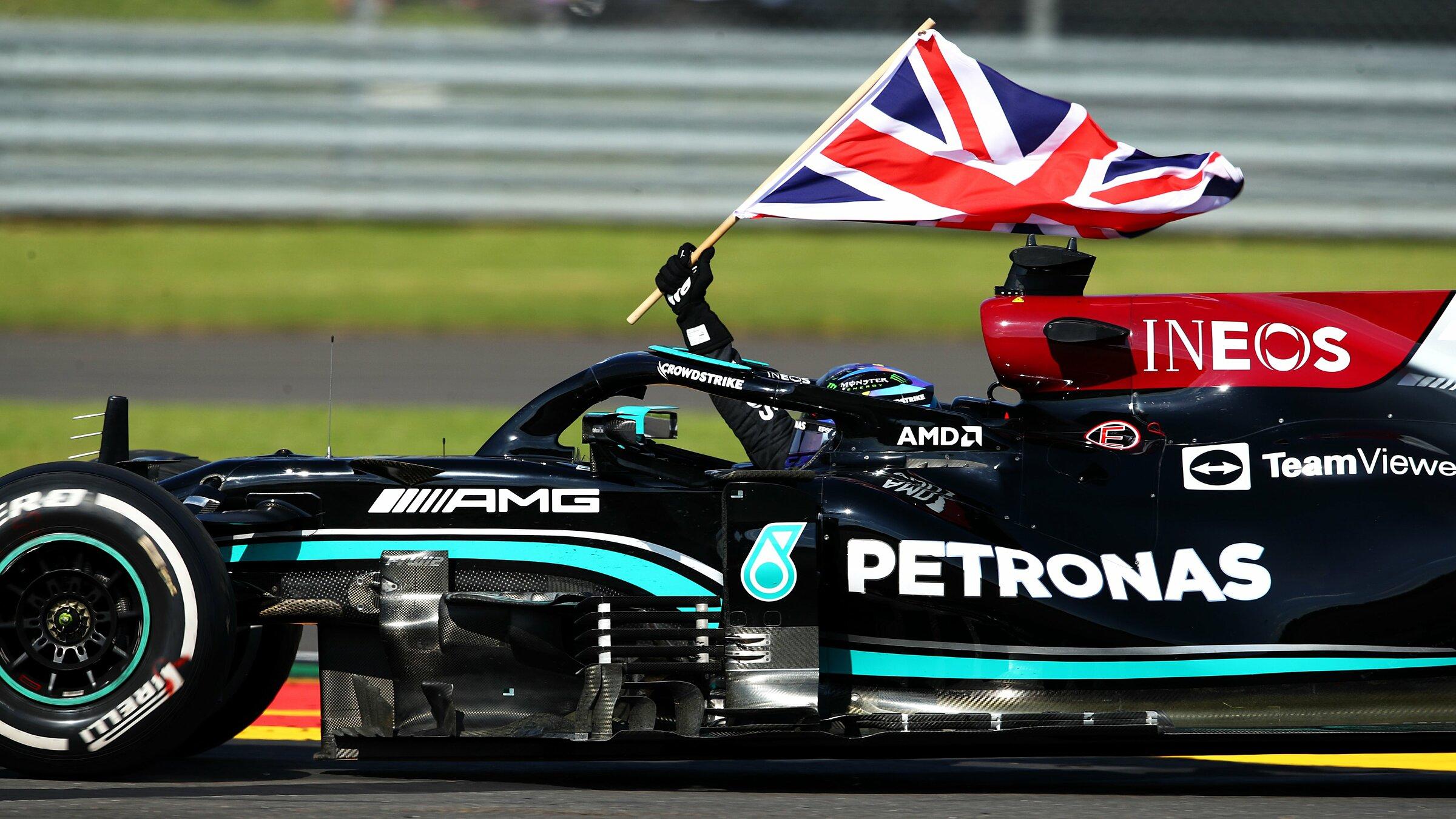 Hamilton merayakan kemenangan di Silverstone.  Foto: F1