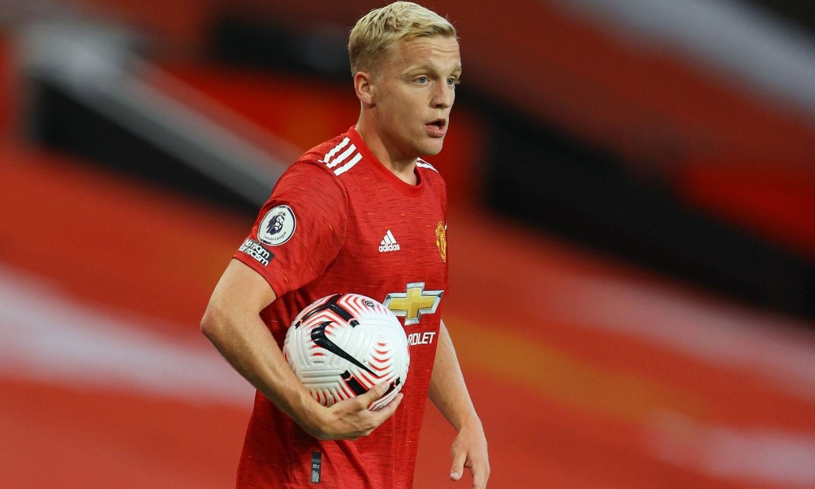 Van de Beek trải qua mùa giải ra mắt đáng quên tại Man Utd. Ảnh: Reuters.
