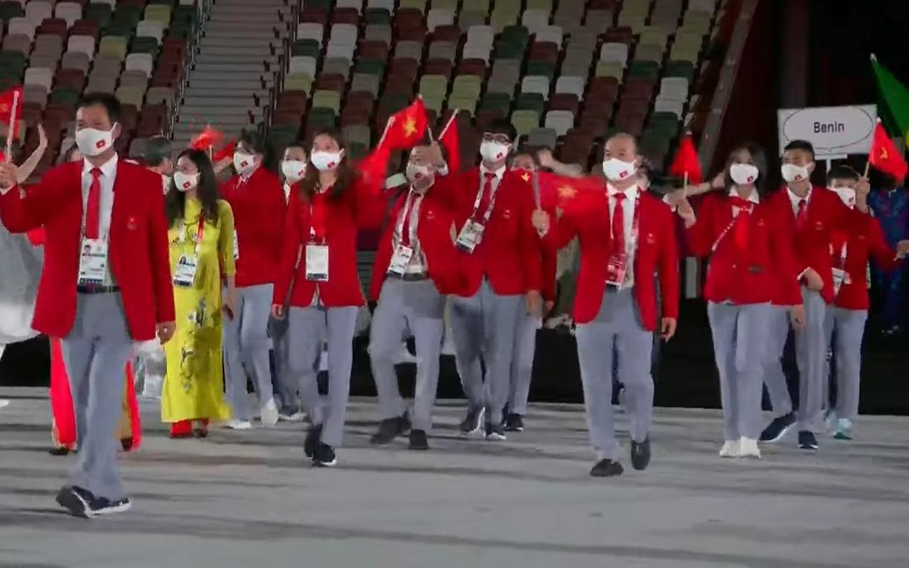 Đoàn thể thao Việt Nam tại lễ khai mạc Olympic 2020.