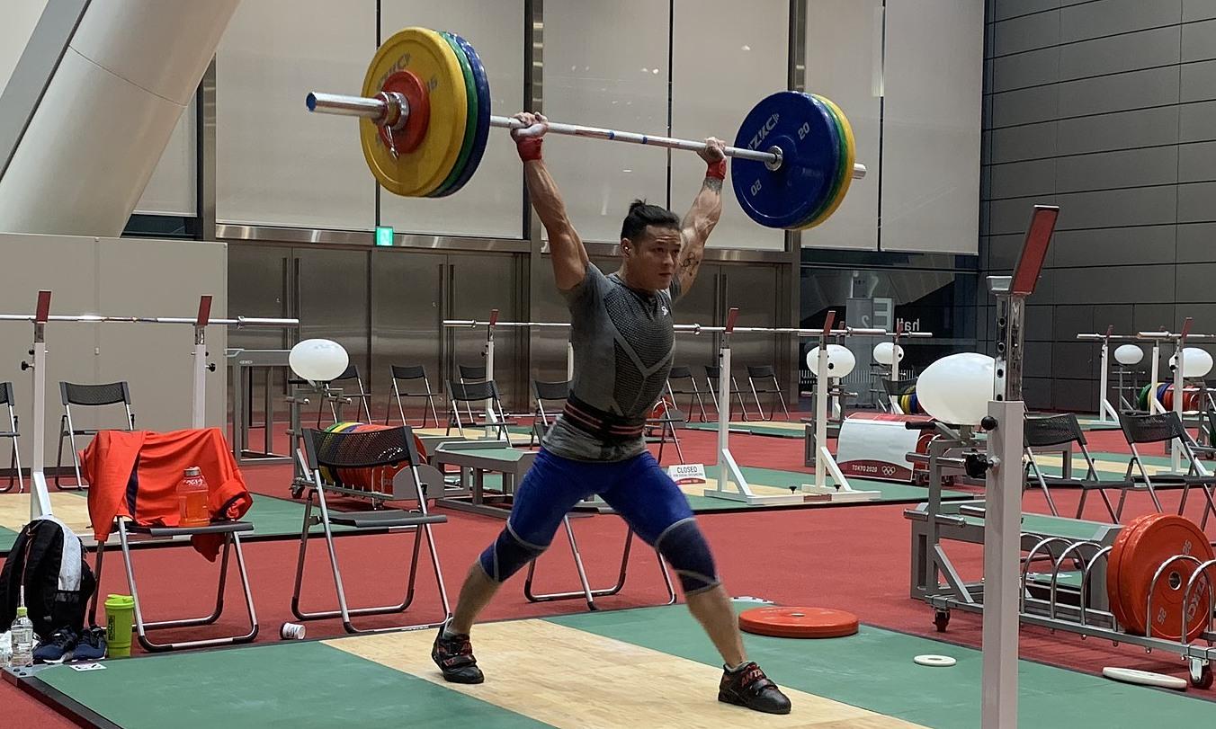 Thạch Kim Tuấn luyện tập trước khi bước vào nội dung quan trọng với đoàn thể thao Việt Nam. Ảnh: Thu Sâm