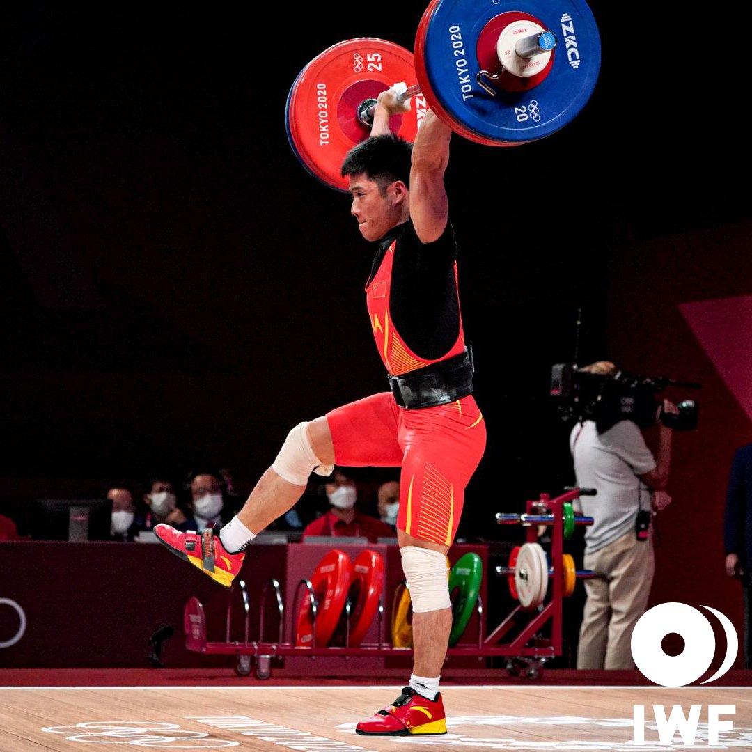 Li Fabin đoạt HC vàng Olympic đầu tiên bằng động tác nâng tạ hiếm có. Ảnh: IWF