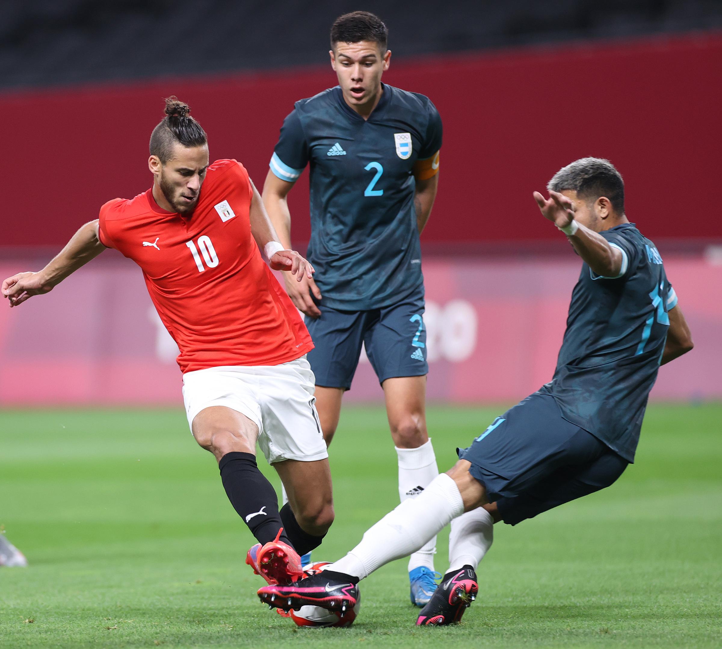 Sobhi (số 10) nhiều lần khiến hàng thủ Argentina vất vả với các pha đi bóng lắt léo và tốc độ. Ảnh: AFA