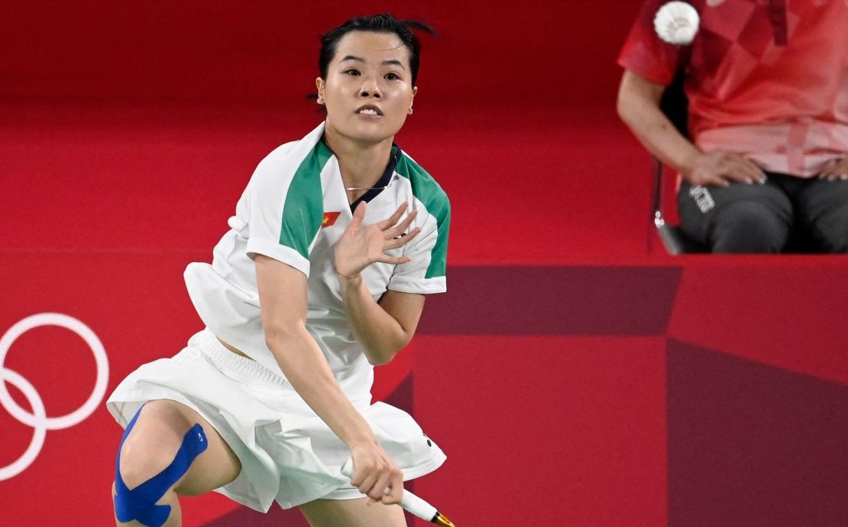 Thuỳ Linh khởi đầu trận đấu rất tốt nhưng càng về cuối càng đuối sức và đánh mất thế trận.