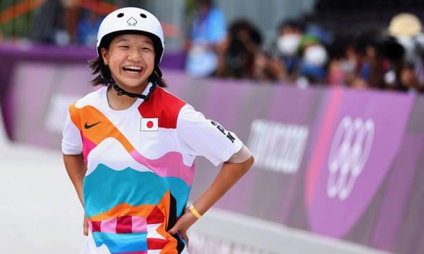 Nụ cười chiến thắng của Nishiya. Ảnh: Reuters.