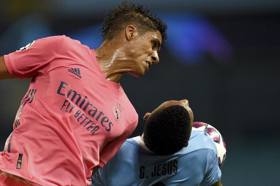 Varane được kỳ vọng sẽ cải thiện khả năng phòng ngự bóng bổng và các tình huống cố định cho Man Utd. Ảnh: EFE