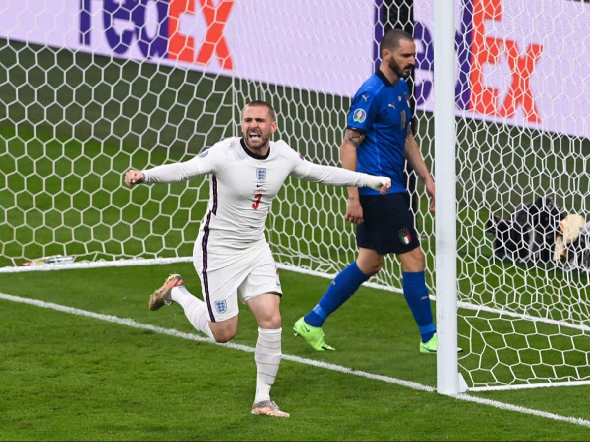 Shaw ghi bàn mở tỷ số cho tuyển Anh, ở trận chung kết thua Italy tại Euro 2021.