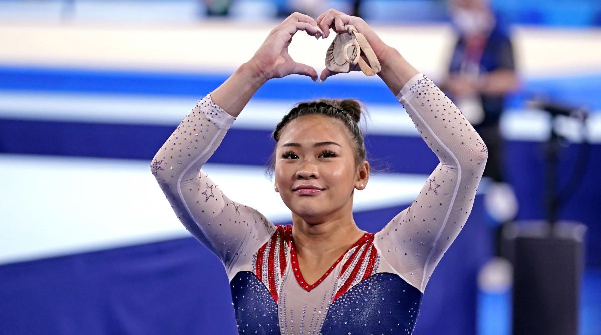 Suni Lee memenangkan medali emas Olimpiade pertama dalam karirnya pada 29 Juli.  Foto: NBC