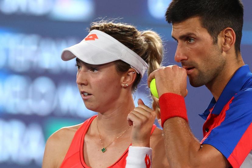 Djokovic và đàn em kém 9 tuổi không thể vào chung kết trong lần đánh cặp đầu tiên ở Olympic. Ảnh: Eurosport