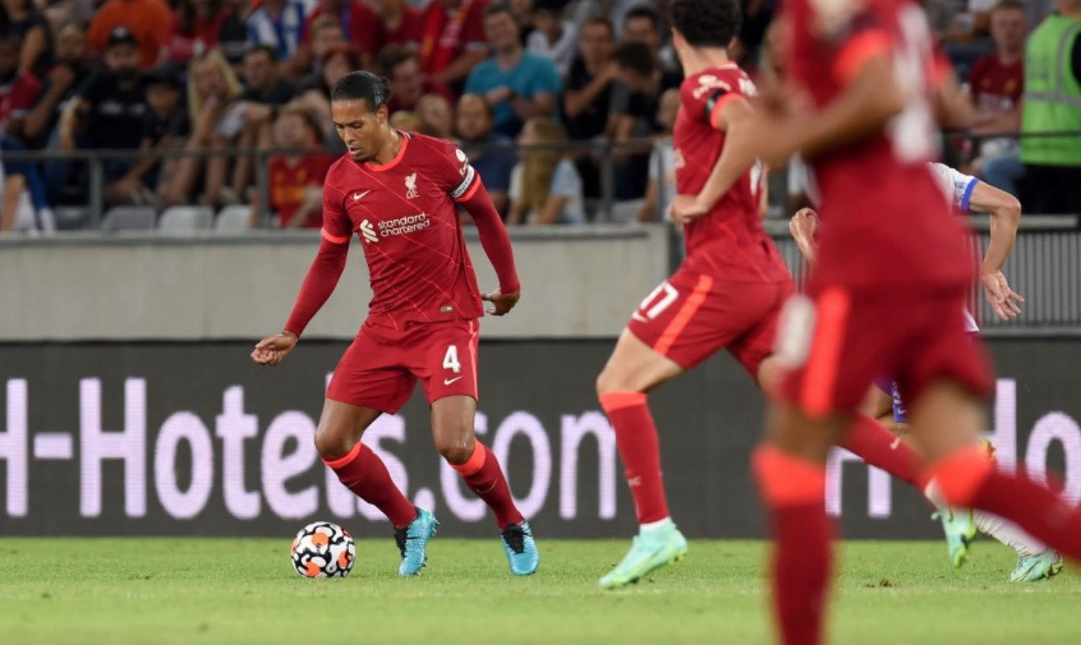 """Van Dijk เป็นหนึ่งใน 13 การเปลี่ยนแปลงที่ Klopp ทำในครึ่งหลัง  ภาพถ่าย: """"Liverpool FC ."""""""