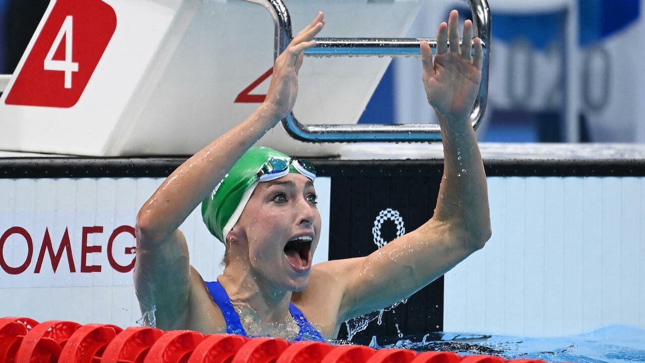 Phản ứng của Schoenmaker sau khi biết mình phá kỷ lục thế giới. Ảnh: AFP.