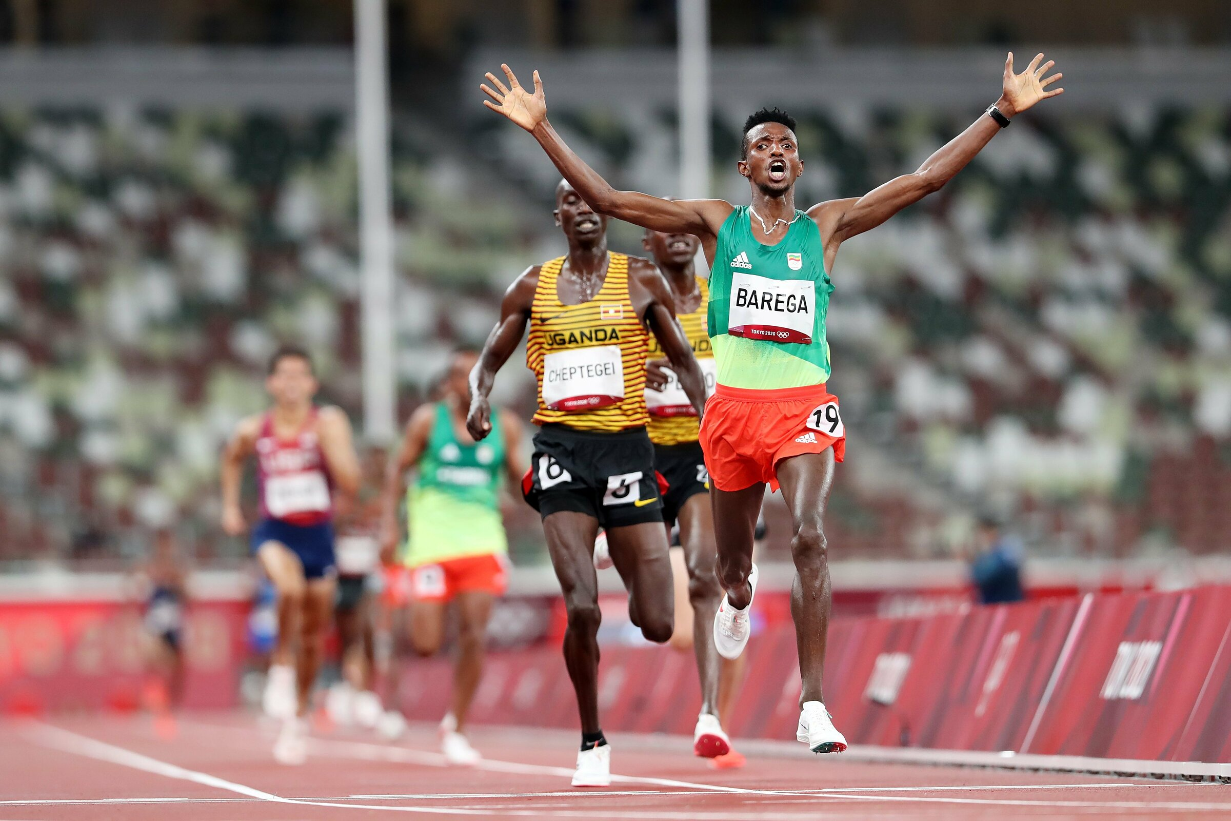 Barega excitedly celebrated his victory, when he finished before world record holder Cheptegei.  Photo: Tokyo2020