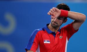 Djokovic trắng tay rời Olympic Tokyo